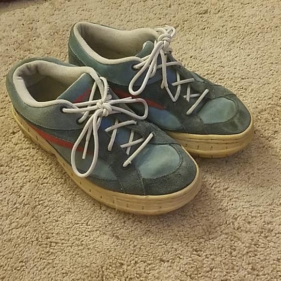 Airwalk Shoes - Vintage ladies Airwalks, suede two-tone blue & red